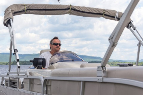 Boat Dealers in Oklahoma Help You Decide To Pontoon or Not to Pontoon